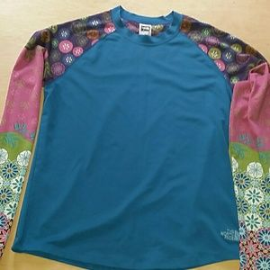 Women's  The North Face long sleeve shirt